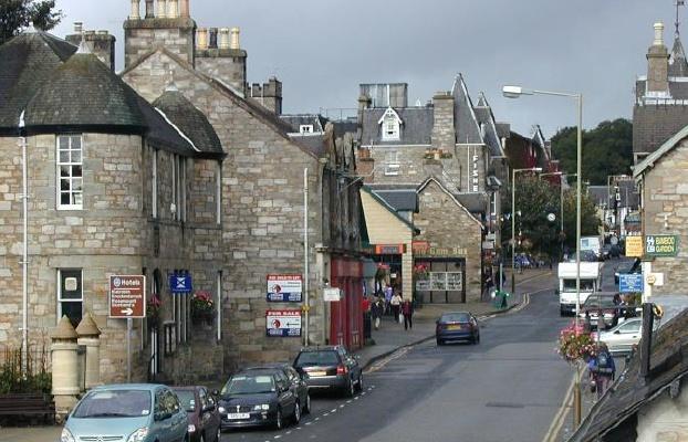 Pitlochry Scotland Map.Pitlochry High Street High St High Street Shops And High St